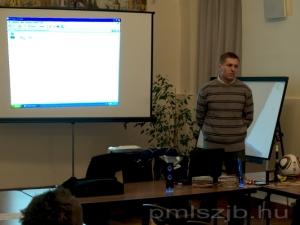 Vámos Tibor képekkel és videoval is színesítette előadását
